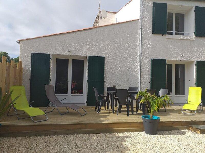 maison de ferme sur l' ile d'oléron  rénovée au coeur de st georges d'oléron, vakantiewoning in Saint-Georges d'Oléron