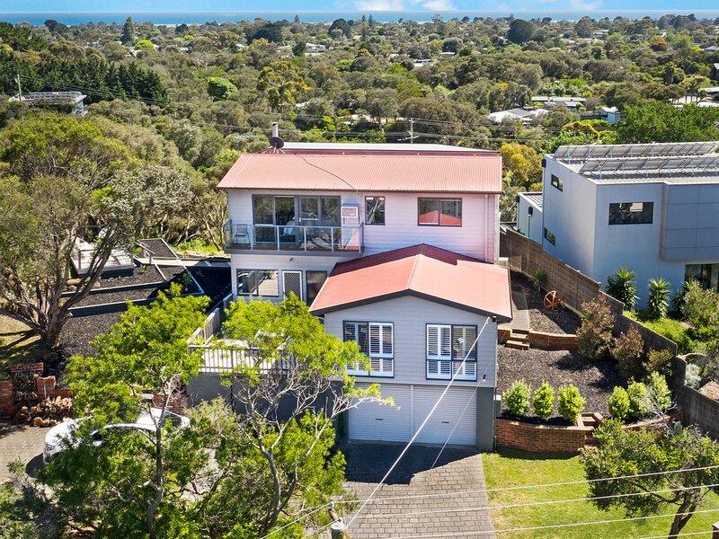 BEACHSIDE HOUSE beach house, vacation rental in Fingal