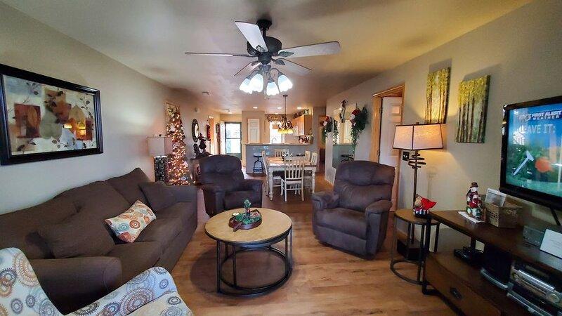 *Make some great Christmas memories in our condo*, casa vacanza a Hollister