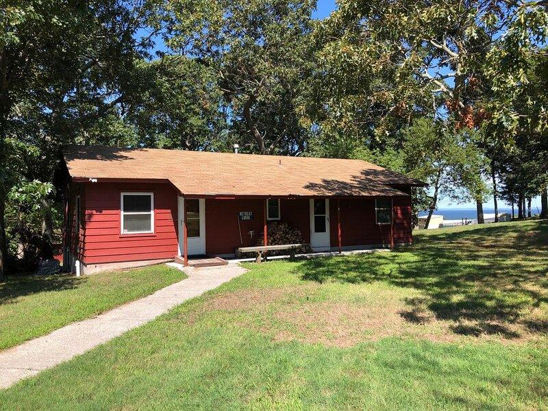 Lodge/ Bunk House with Access to LI Sound, location de vacances à Rocky Point