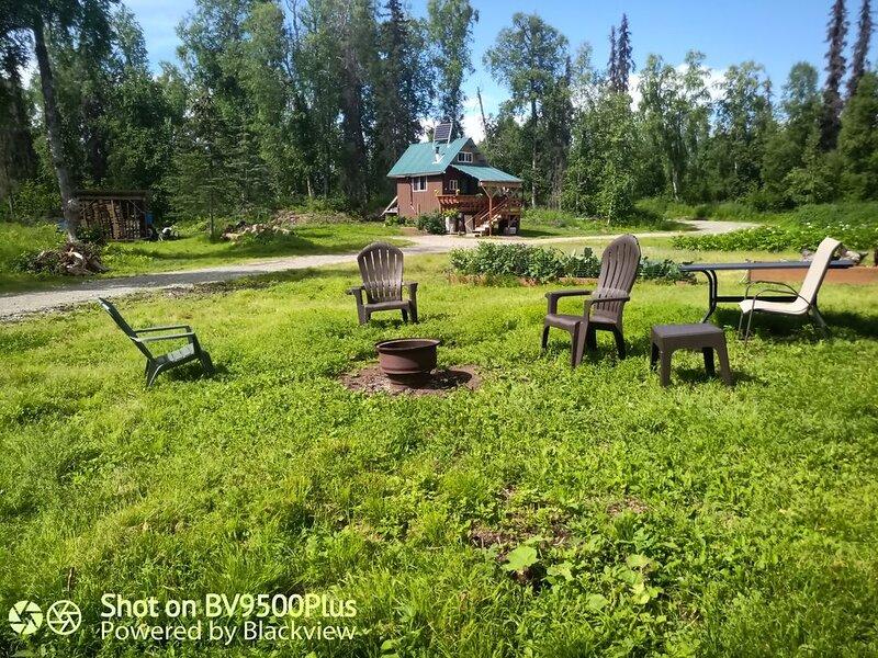 A real Alaskan offgrid cabin experience, location de vacances à Sunshine