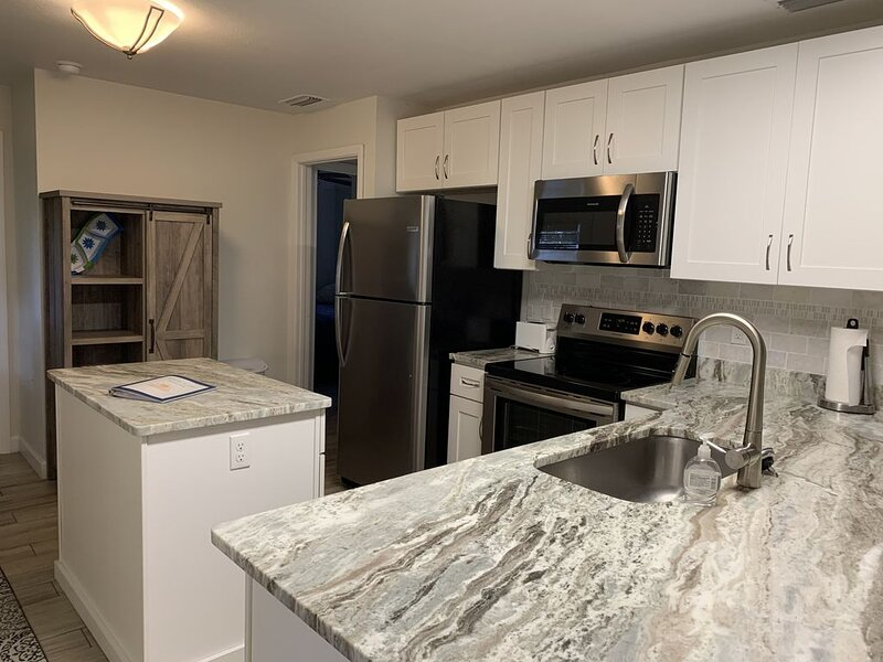Lake Henry Gem with Access to Lake June!, holiday rental in Lorida