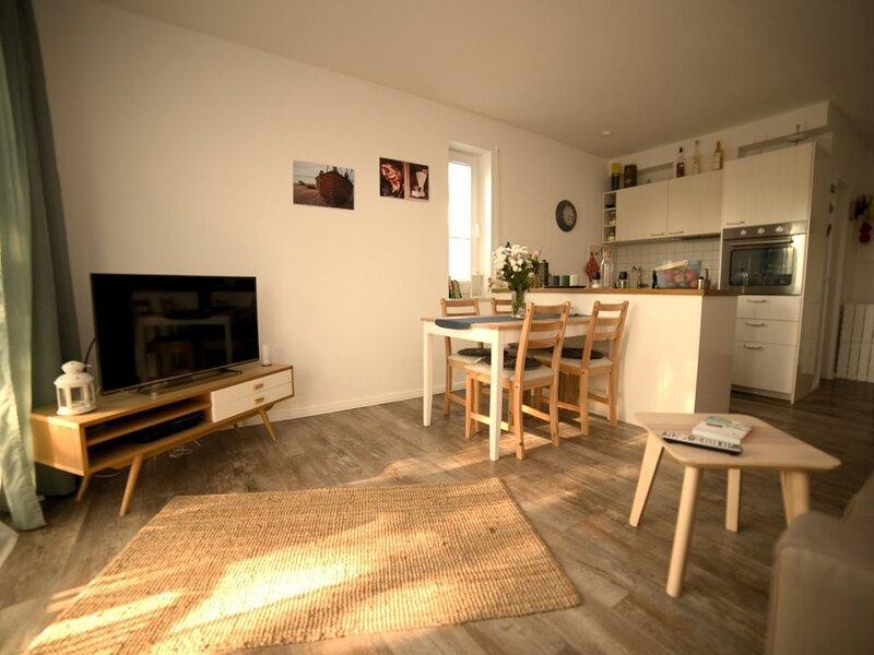 Hübsches Appartement direkt am Hafen, holiday rental in Neuenkirchen