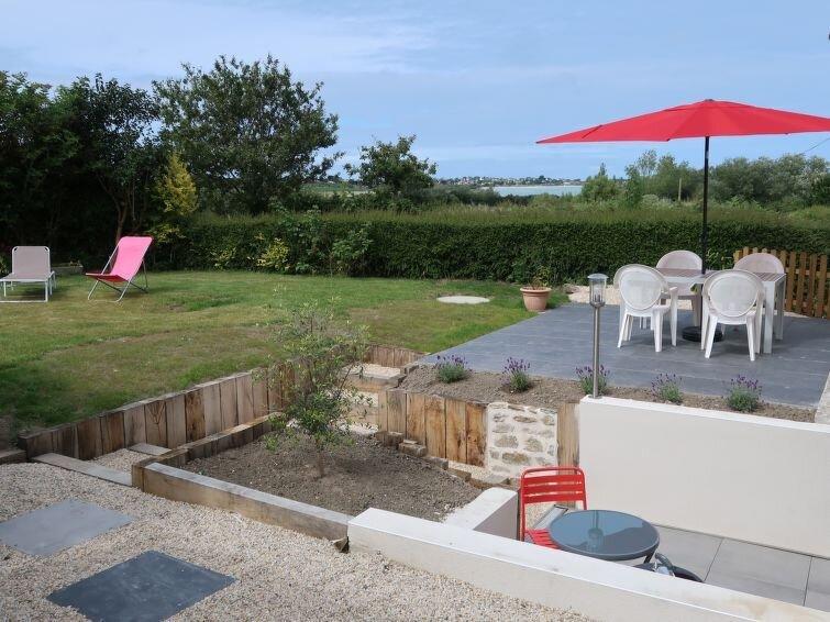 Ferienhaus La Charmeuse (GOV203) in Goulven - 4 Personen, 2 Schlafzimmer, holiday rental in Lesneven