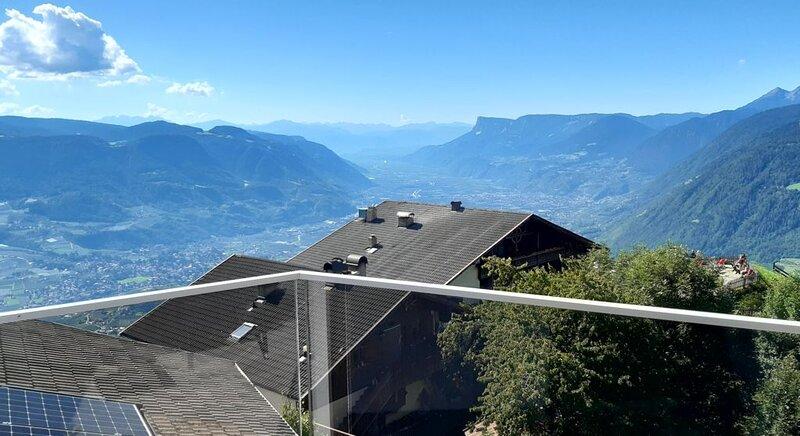 Ferienwohnung Oberhochmuthof mit wunderschönen Ausblick am Meraner Höhenweg; WLA – semesterbostad i San Valentino alla Muta