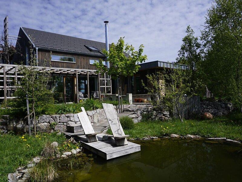 Haus an der Weide, Ferienhaus im wunderschönen Südschwarzwald, bis zu 8 Pers., holiday rental in Sankt Blasien