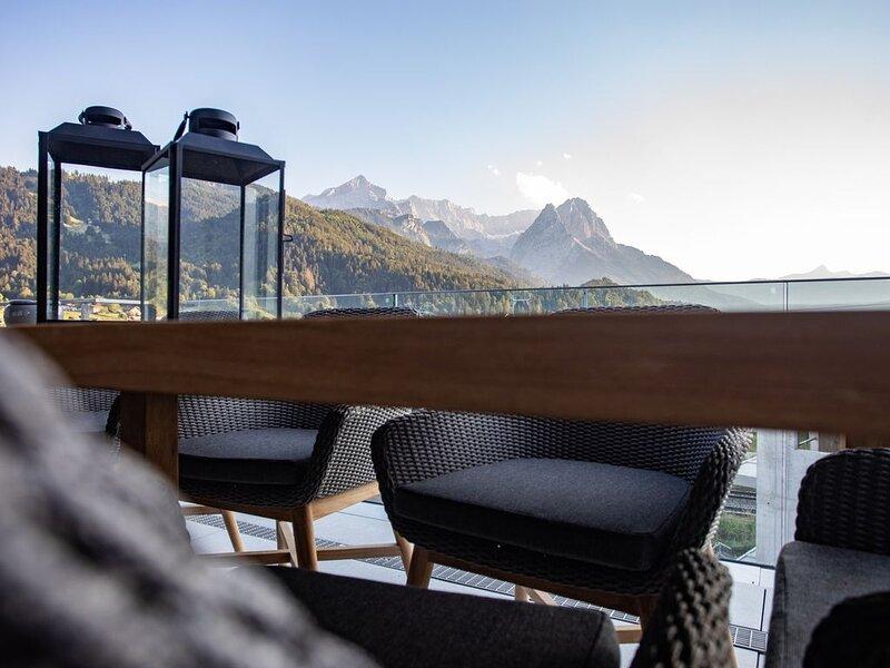 Penthouse mit 360 ° Bergblick, casa vacanza a Garmisch-Partenkirchen