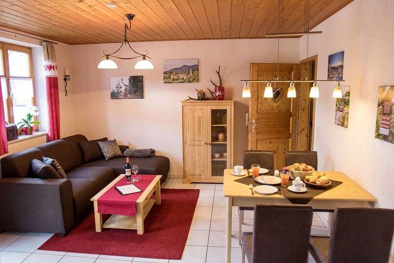 Ländlich-moderne Ferienwohnung in ruhiger Panoramalage, casa vacanza a Bayerisch Eisenstein