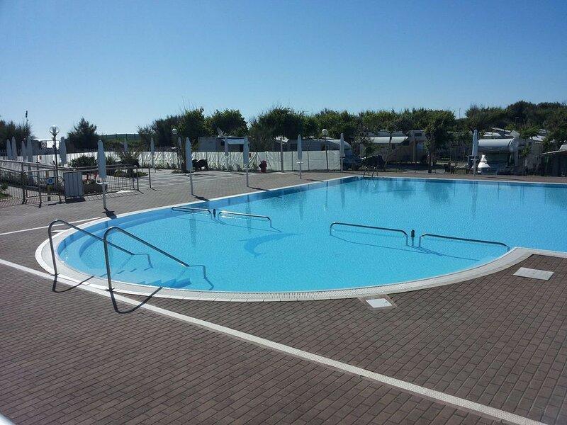 Ferienhaus - 6 Personen*, 35m² Wohnfläche, 3 Schlafzimmer, Garten, Internetzuga, vacation rental in Chioggia