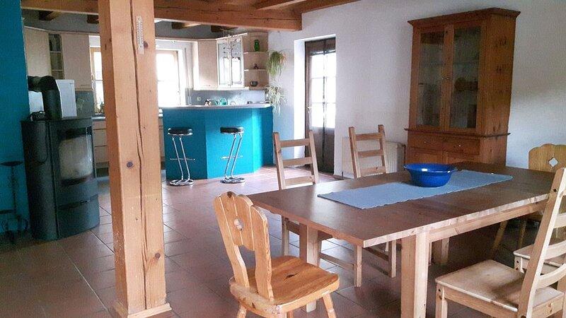 große, familienfreundliche Ferienwohnung im schönen Ortskern, location de vacances à Graefenberg