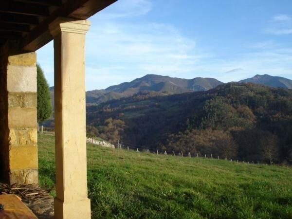 Ferienhaus Arenas de Beloncio für 6 Personen mit 3 Schlafzimmern - Bauernhaus, holiday rental in Bimenes Municipality