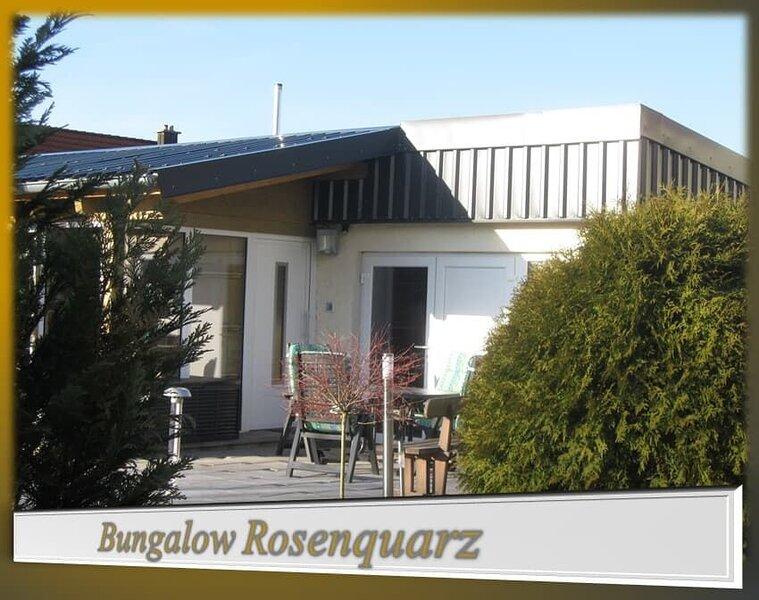 FH-Rosenquarz | 71qm großer, 5-Sterne Bungalow mit Terrasse, location de vacances à Waldthurn