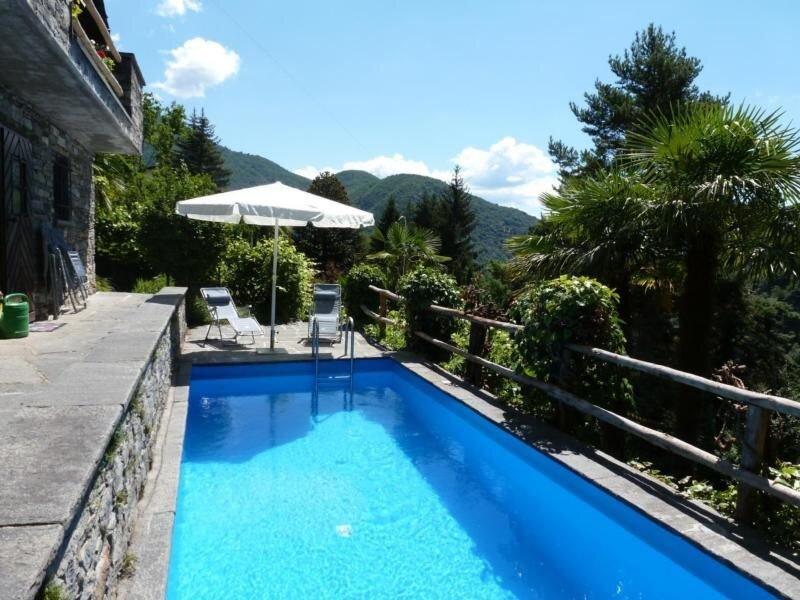 Ferienhaus Mergoscia für 7 Personen mit 4 Schlafzimmern - Ferienhaus, location de vacances à Vogorno