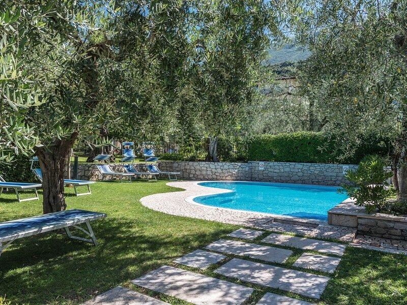 Ferienwohnung 'Appartamento Casa Stefi N1' in der Nähe des Gardasees mit WLAN, B, holiday rental in Polsa