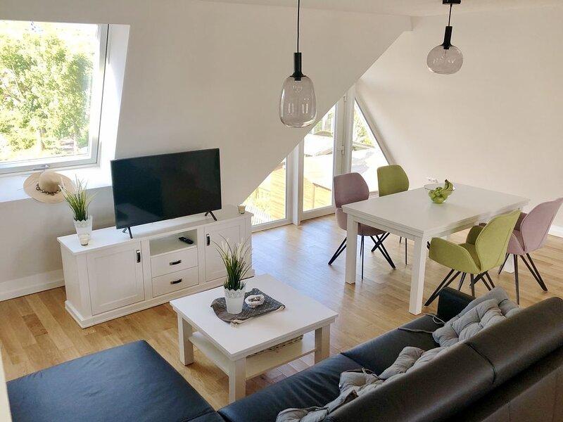 Hochwertige Ferienwohnung am Nordstrand mit Terrasse im Torbogenhuus Nr. 7, casa vacanza a Norderney