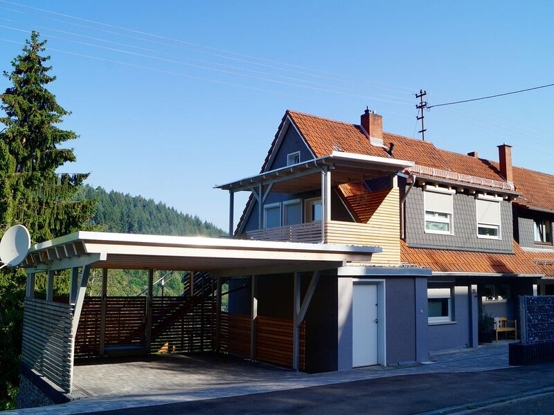 Brandneue Wohnung in Neckargemünd bei Heidelberg, holiday rental in Sinsheim