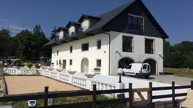 Ferienhaus Cercier für 4 - 25 Personen mit 6 Schlafzimmern - Bauernhaus, holiday rental in Sillingy