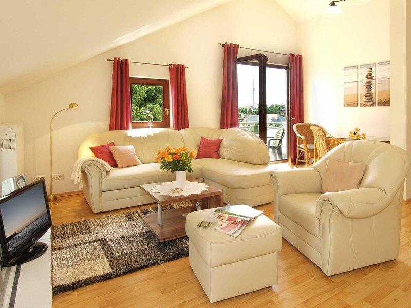 Das Haus auf der Höhe befindet sich in zentraler Lage von Heringsdorf., holiday rental in Seebad Bansin