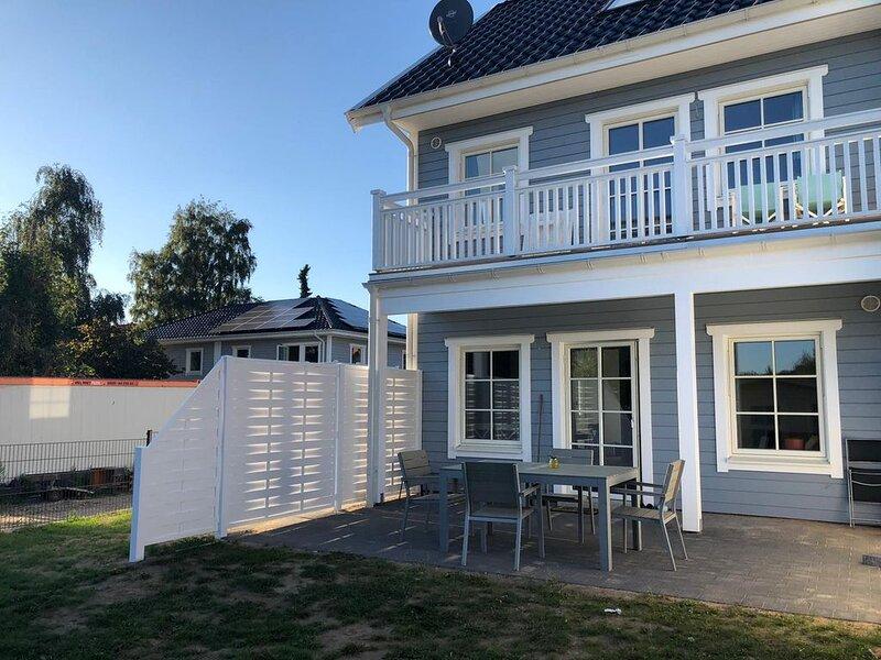 Liebevoll eingerichtetes Ferienhaus, holiday rental in Strenglin