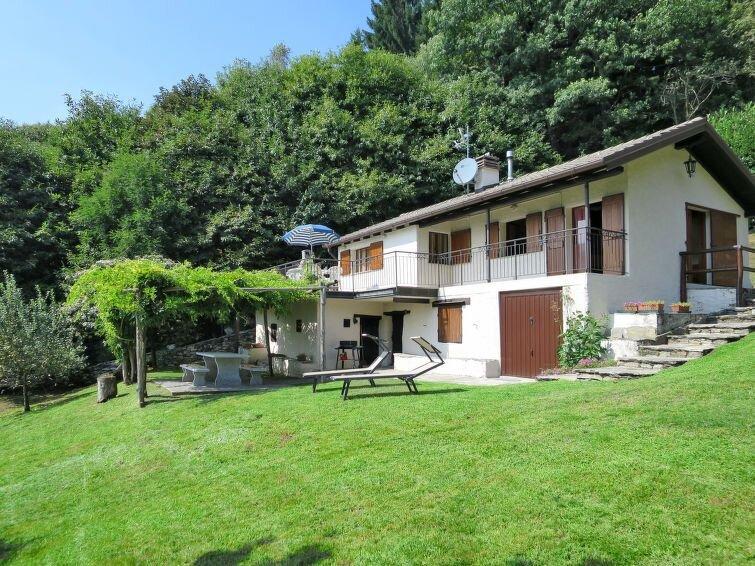 Ferienhaus Baita Lavu' (CNR520) in Cannero Riviera - 4 Personen, 2 Schlafzimmer, casa vacanza a Lunecco