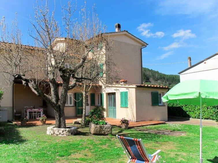 Ferienhaus Piota (LUU506) in Lucca - 8 Personen, 4 Schlafzimmer, holiday rental in Vorno