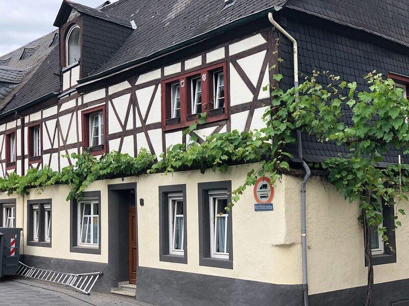 Haus Seger Unsere große Ferienwohnung im Moseltal im Zentrum von Winningen, location de vacances à Munstermaifeld