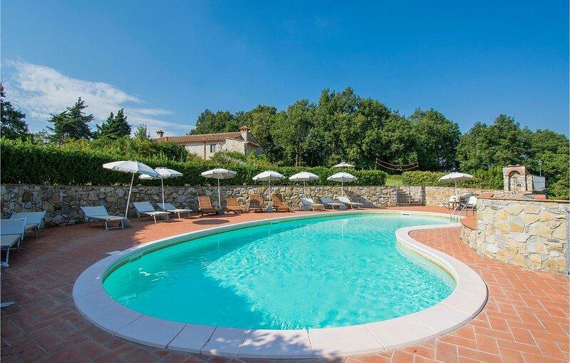 9 Zimmer Unterkunft in Serravalle Pist.(PT), holiday rental in Serravalle Pistoiese