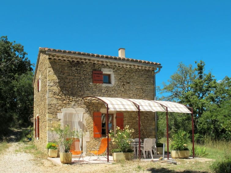 Vacation home in Verfeuil, Nimes and surroundings - 4 persons, 2 bedrooms, holiday rental in Saint-Andre-d'Olerargues
