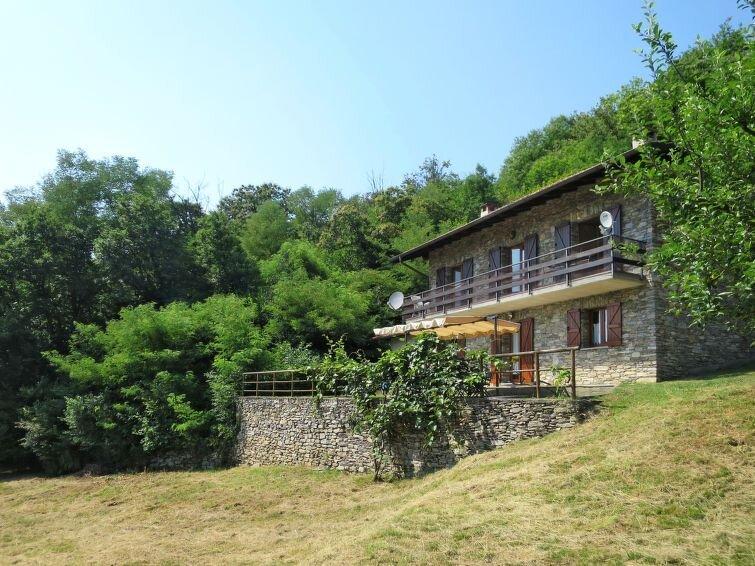 Ferienhaus Fiorella (LUI602) in Luino - 8 Personen, 4 Schlafzimmer, alquiler de vacaciones en Poppino