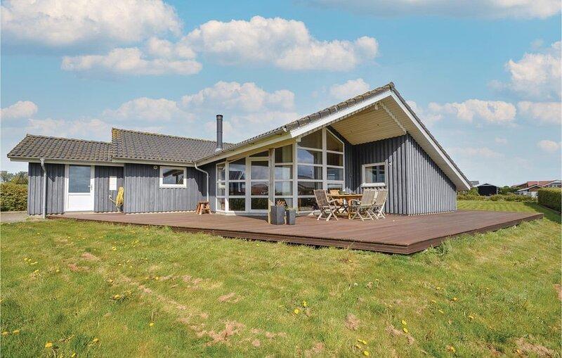 4 Zimmer Unterkunft in Vinderup, aluguéis de temporada em Lihme