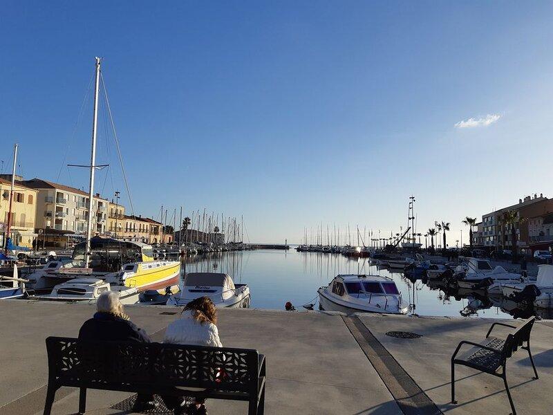Helle schöne Ferienwohnung am Meer / Bel appartement de vacances en bord de mer, alquiler de vacaciones en Mèze