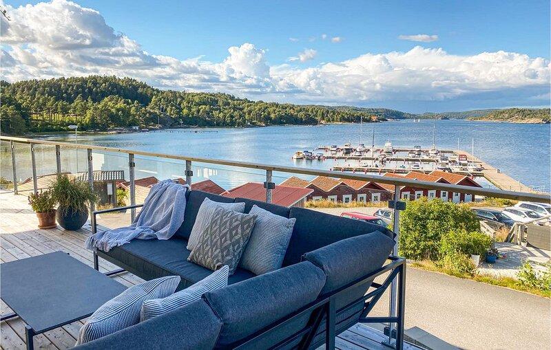 2 Zimmer Unterkunft in Svanesund, location de vacances à Halleviksstrand