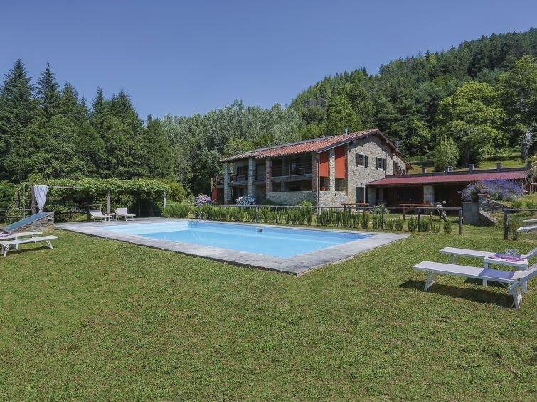 Ferienwohnung Noce (CNG220) in Castelnuovo di Garfagnana - 2 Personen, 1 Schlafz, holiday rental in Molino di Villa