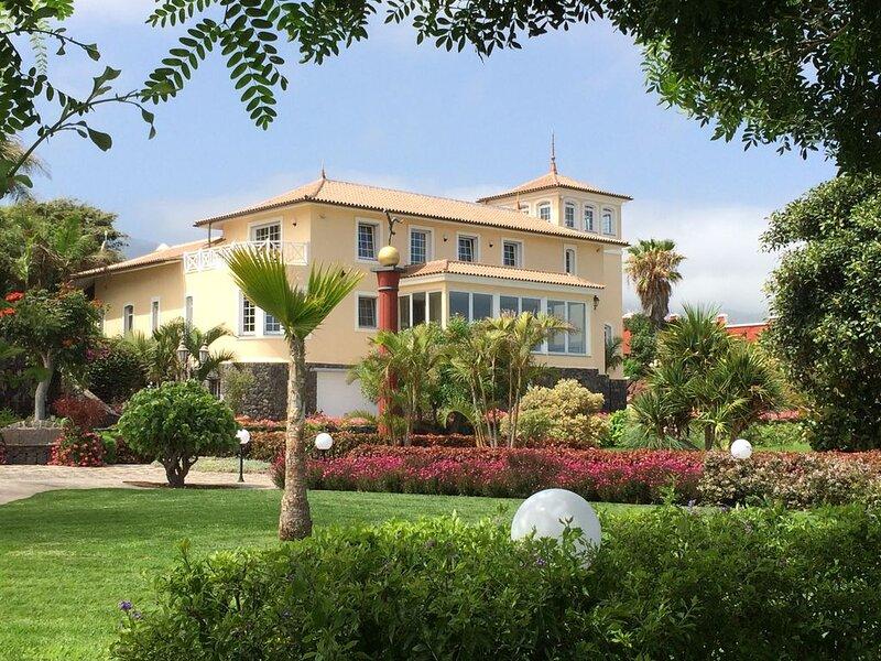 Atemberaubende Finca mit Meerblick und Salzwasserpool auf Teneriffa – semesterbostad i Icod de los Vinos