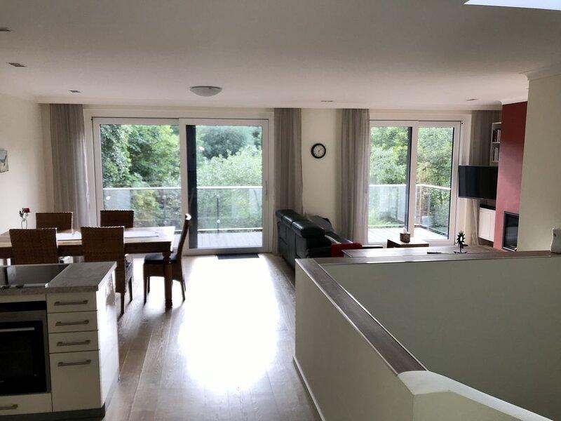 Ferienhaus direkt am Park mit See (120 qm) für bis zu 4 Personen, casa vacanza a Fichtelberg