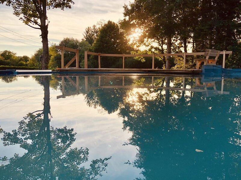 Ferienwohnung Bodensee mit WLAN, Terrasse, Gemeinschaftsgarten und Schwimmteich;, vacation rental in Albstadt