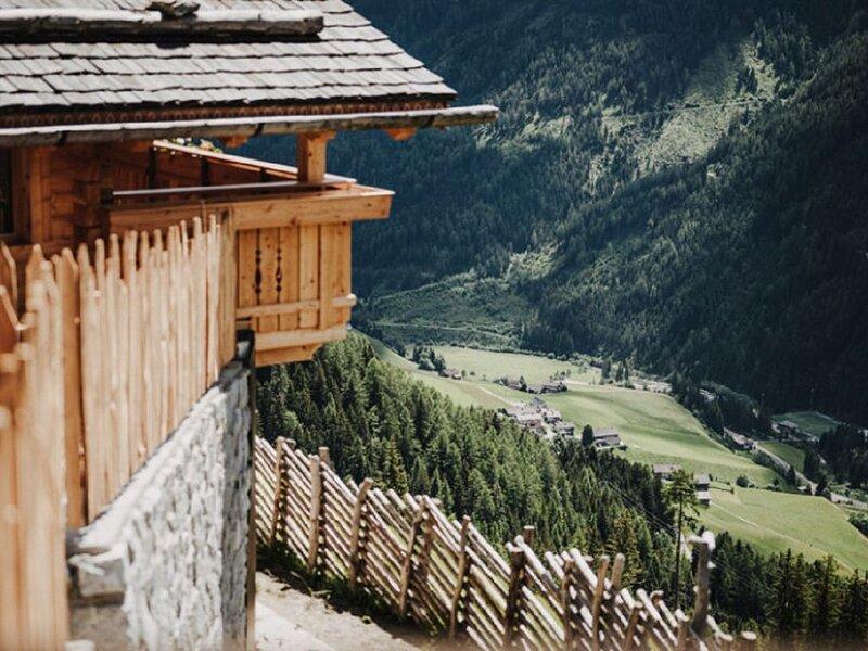 "Komfortables Holz-Ferienhaus ""Chalet Reisnock-Hochgruberhof"" in idyllischer Berg, holiday rental in Vandoies"
