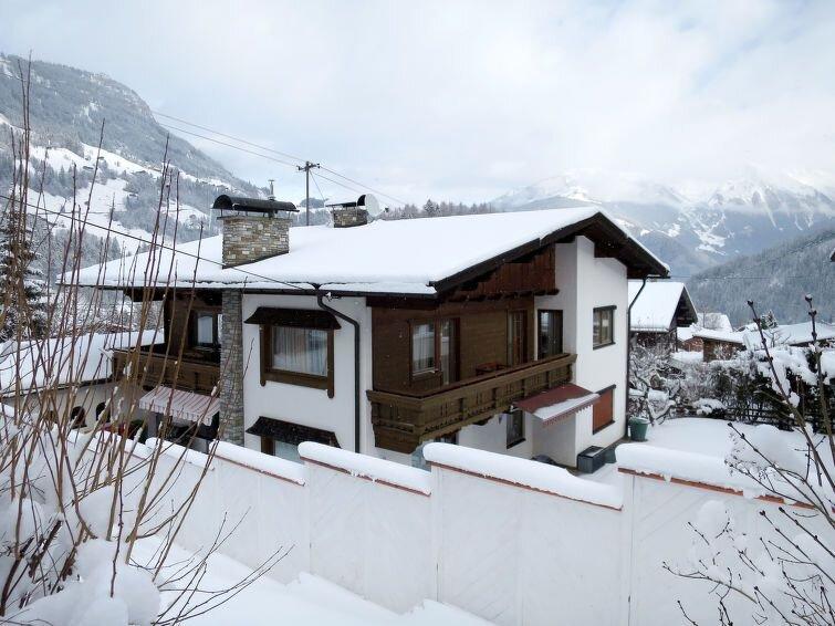 Ferienwohnung Geisler (FBZ220) in Finkenberg - 10 Personen, 3 Schlafzimmer, vacation rental in Juns