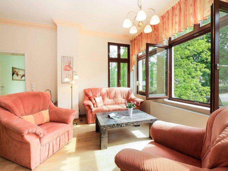 Die Villa befindet sich in der beliebten Delbrückstraße in Heringsdorf, nur weni, Ferienwohnung in Seebad Heringsdorf