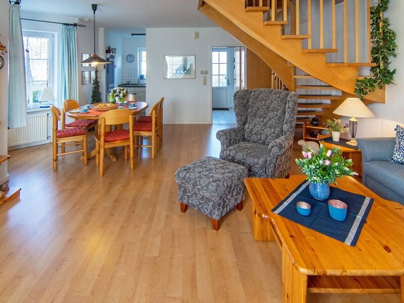 Gemütliche Doppelhaushälfte Elke in ruhiger Lage, location de vacances à Norden