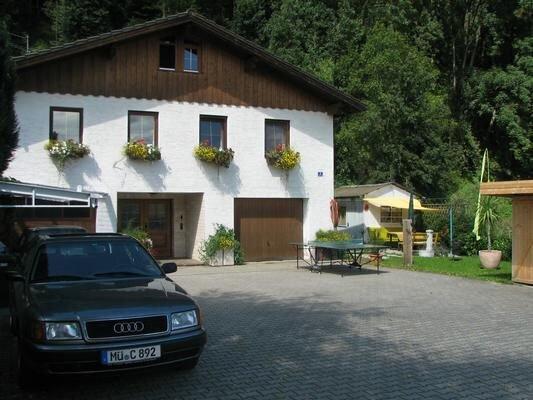 Ferienwohnung Erharting für 1 - 10 Personen mit 3 Schlafzimmern - Ferienwohnung, vacation rental in Eggenfelden