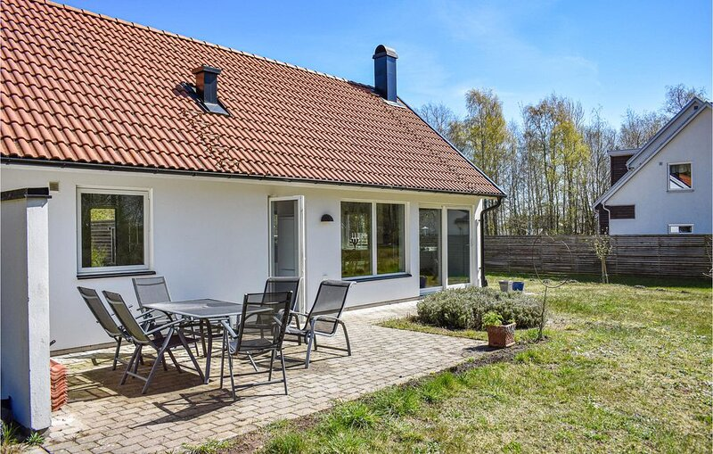 1 Zimmer Unterkunft in Beddingestrand, vacation rental in Svedala