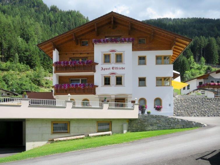 Ferienwohnung Elfriede (SZU123) in See - 13 Personen, 6 Schlafzimmer, holiday rental in See