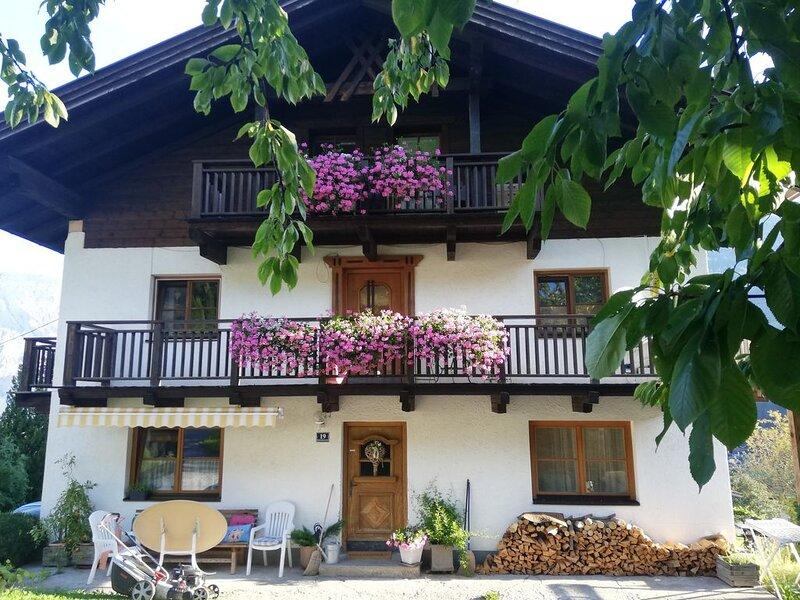 Tiroler Ferienwohnung am Eingang des Oetztales für max. 8 Personen, holiday rental in Arzl im Pitztal
