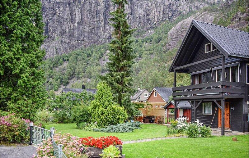 3 Zimmer Unterkunft in Fjæra, holiday rental in Etne Municipality