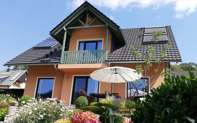 Personen 5+1,sehr familienfreundlich,Kinder< 2 J.0€, 2-3J. 5€ /ÜN, im Erzgebirge, location de vacances à Marienberg