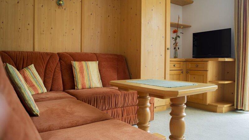 Haus 'Pension Edi'  Ferienwohnung  Arnspitz für 2-3 Pers.  (43.40m²), holiday rental in Telfs