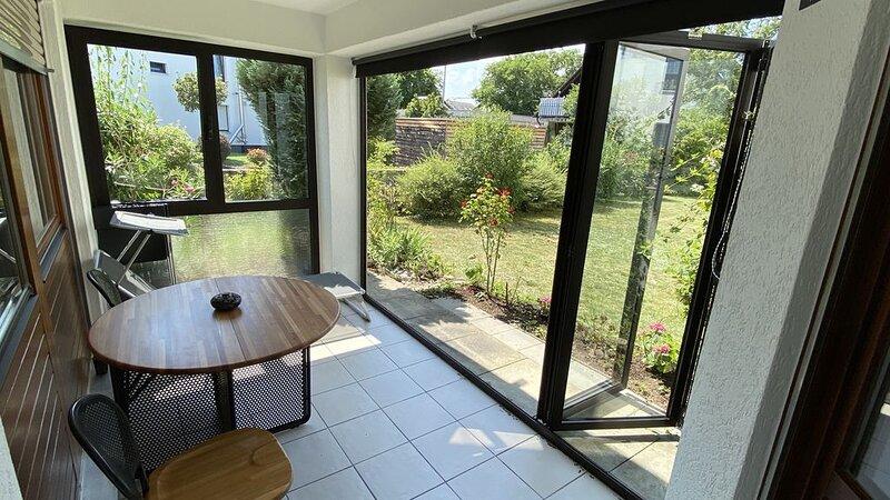 Ferienwohnung mit Terrasse, aluguéis de temporada em Leinfelden-Echterdingen
