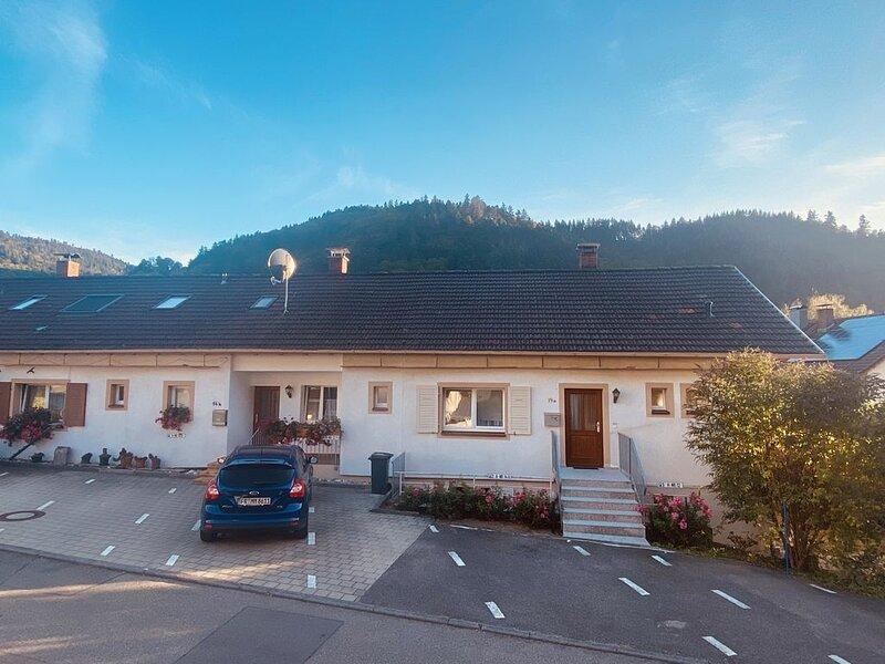 NEU! Ferienwohnung 'Schwarzwaldblick2' 65qm mit Balkon 2-4Pers.+Babybett, Ferienwohnung in Bürchau