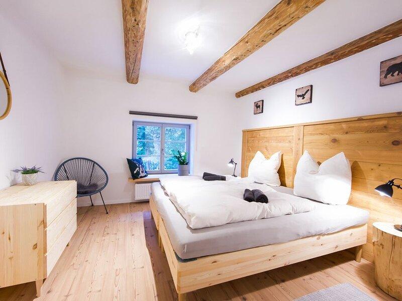 FarmHouse Eckartsberg - Gemütliche Ferienwohnung OG, holiday rental in Oybin